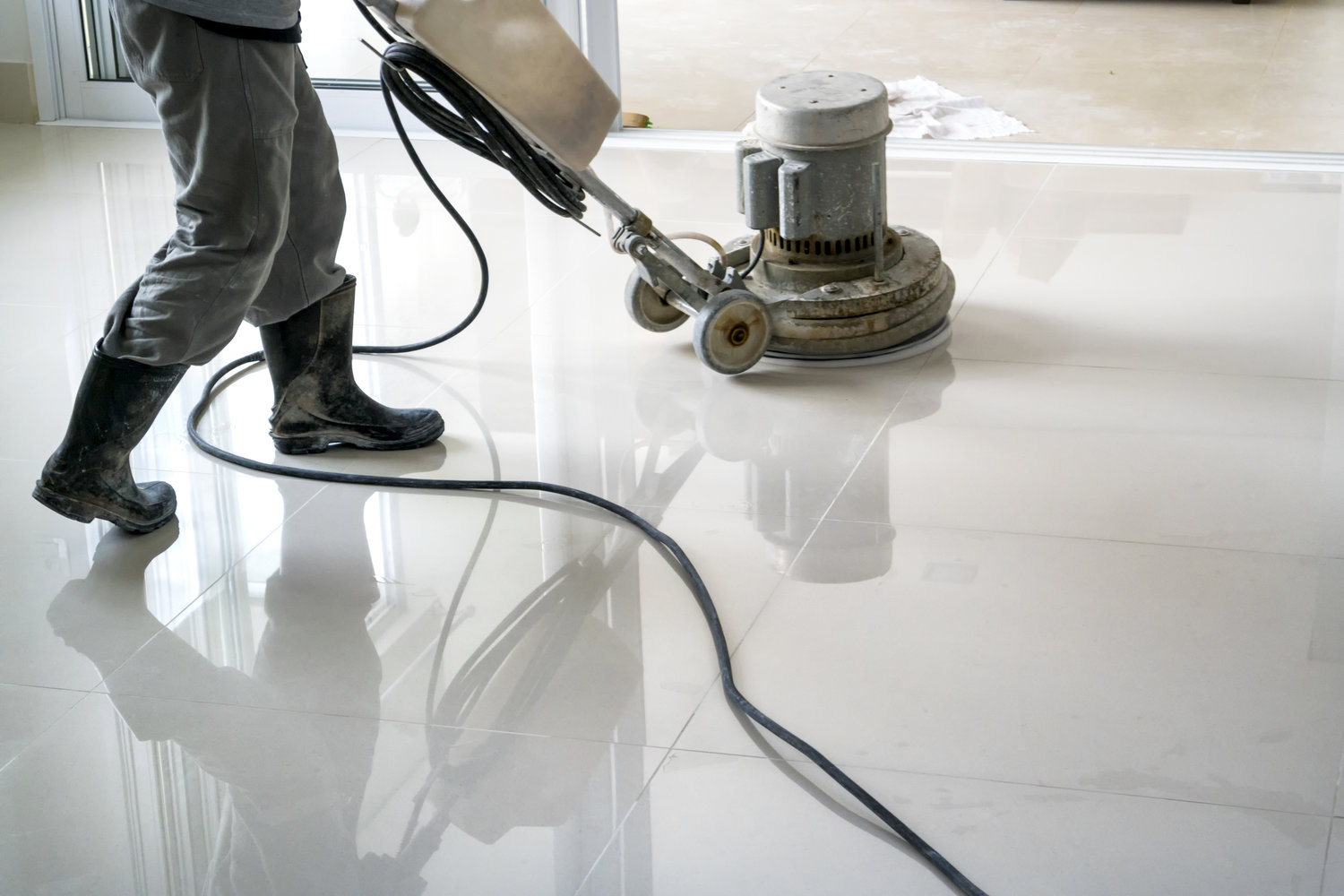Floor cleaning service dubai